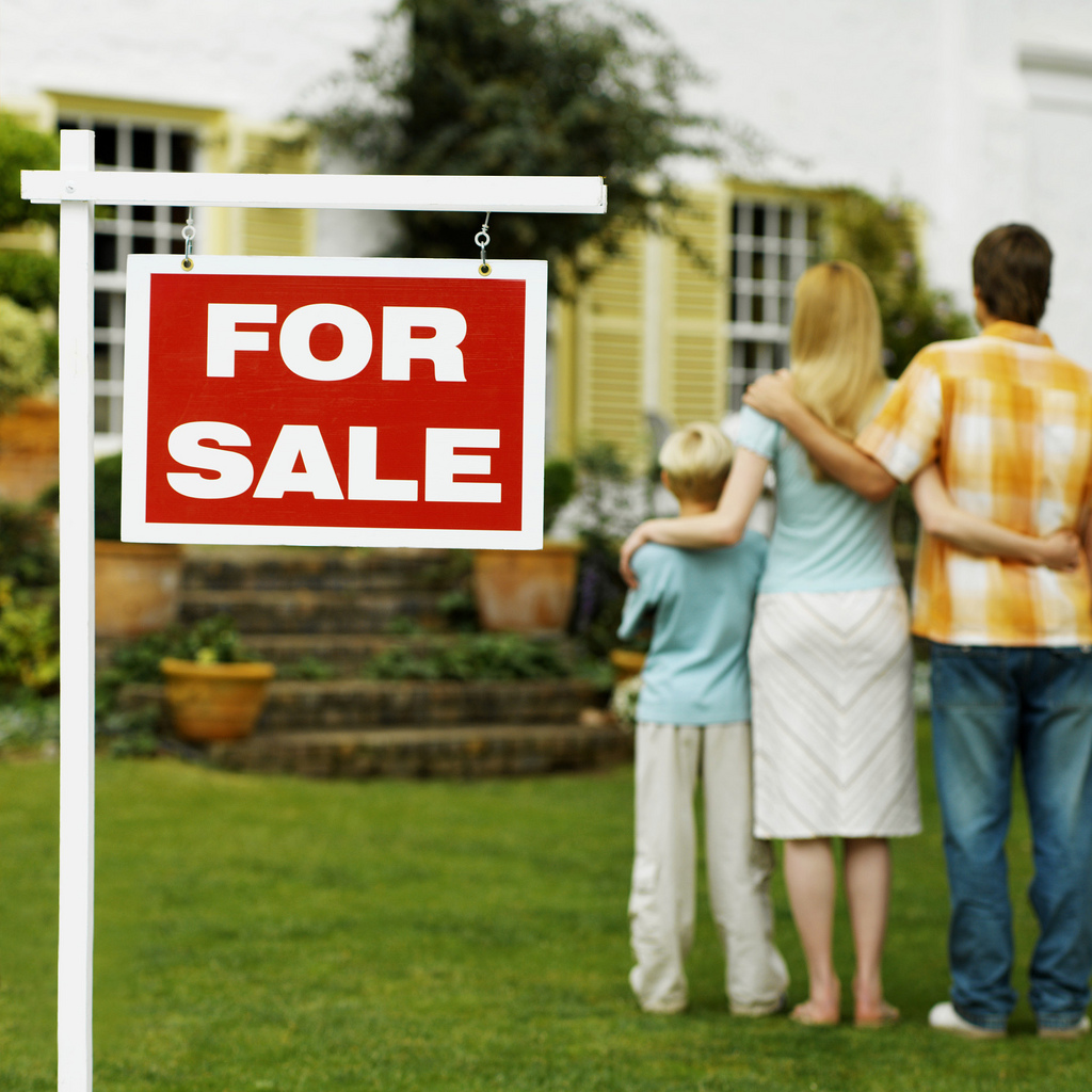 image of family buying home in good housing market